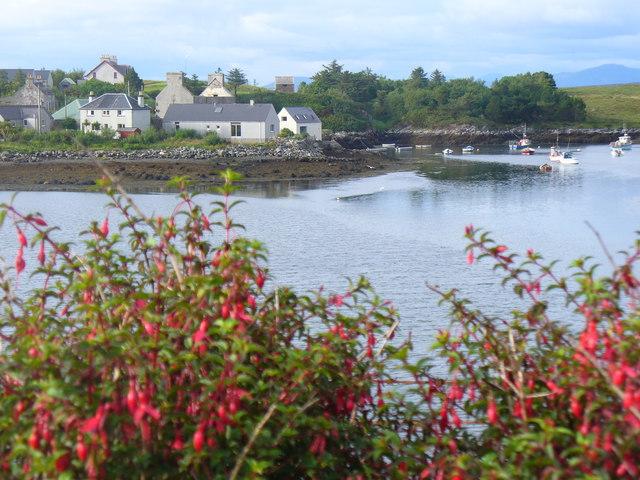 Lochmaddy / Loch nam Madadh