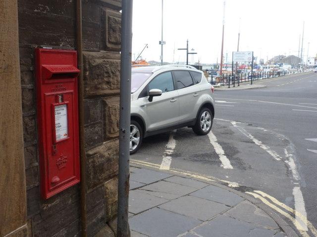 Kirkwall: postbox № KW15 2, Bridge Street