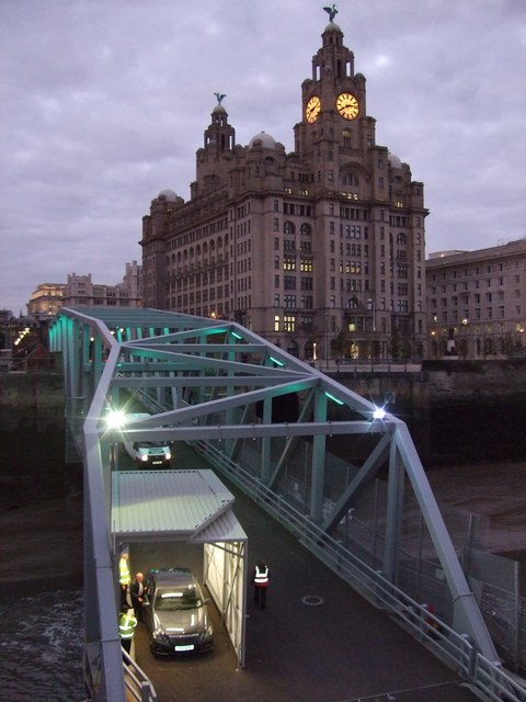 Royal Liver Building at 20.12 hours