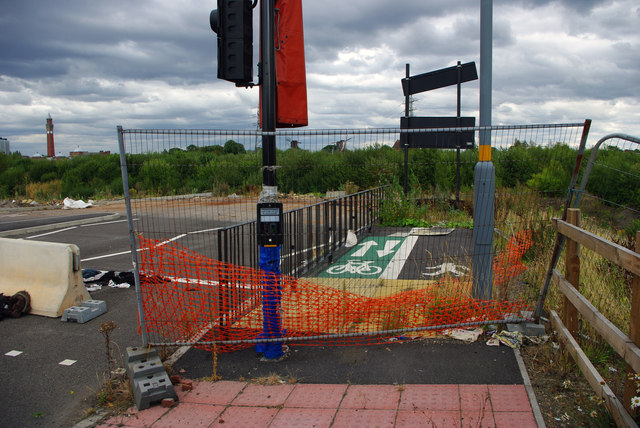 An unused shared use path - Harborne Lane roundabout