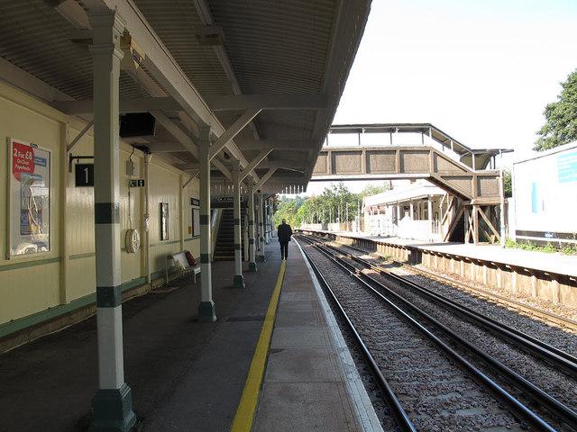 Woldingham Station: up platform