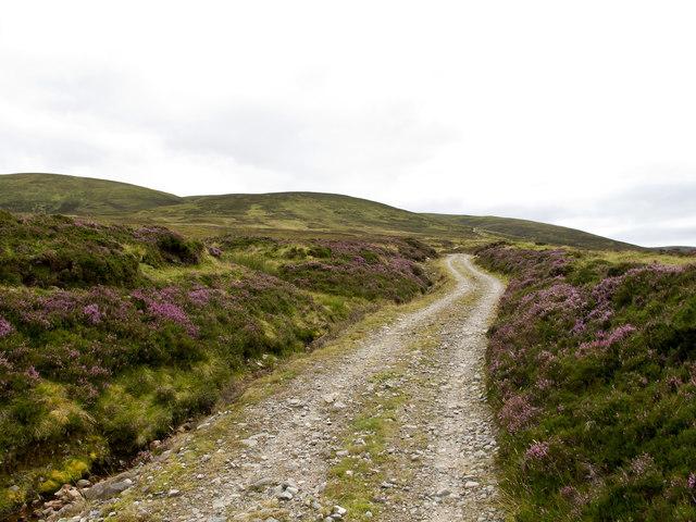 Track near Coire nan Cisteachan