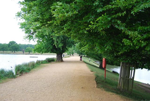 Capital Ring between Pen Ponds