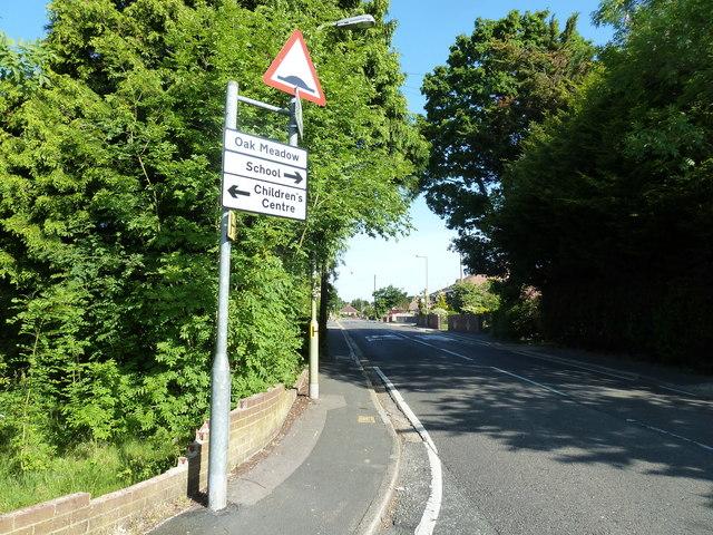 Road sign in Fareham Park Road
