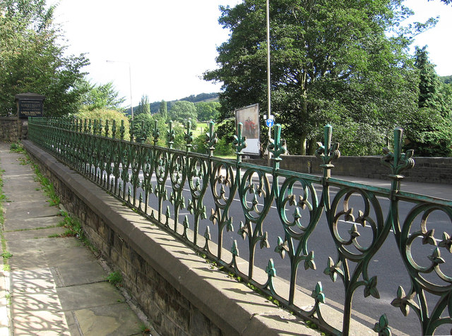 Bingley - railings between Cemetery Road and Keighley Road