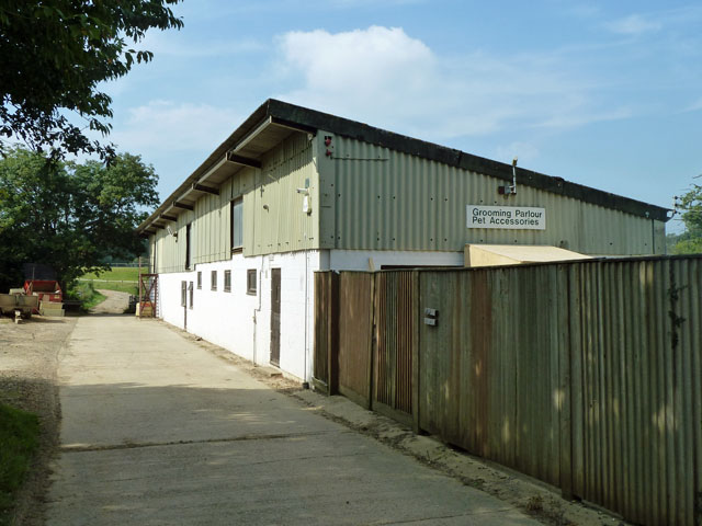 Brinsbury College grooming parlour and pet accessories