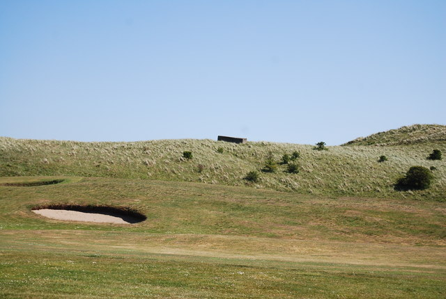 Pillbox and bunker, Dunstanburgh Castle Golf Course