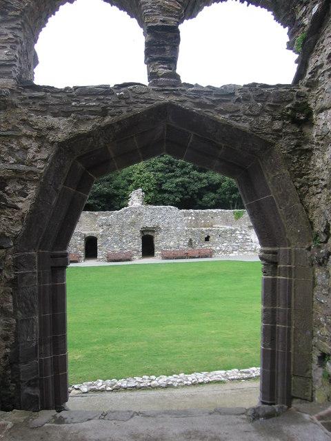 A half-octagonal doorway