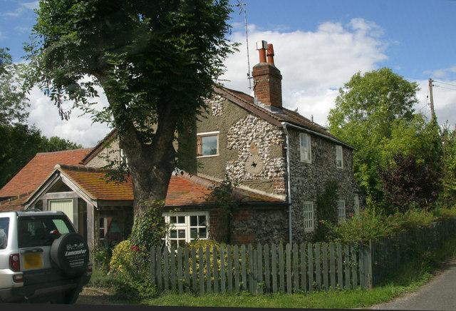 Bottle Cottage, Station Road