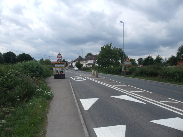 Entering Sharnford on the B4114