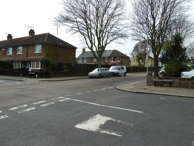 Looking from Nutbourne Road into Bulkington Avenue