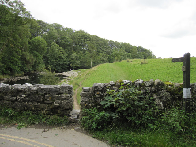Footpath to Stackhouse