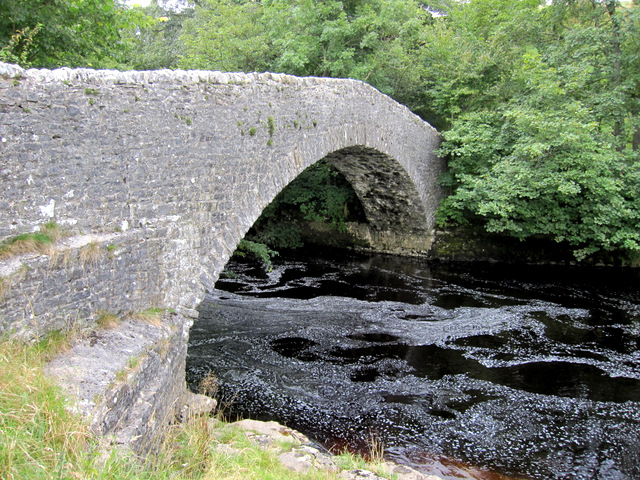 Stainforth packhorse bridge and the River Ribble