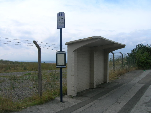 Bus shelter on Holling's Lane