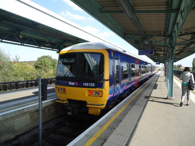 Greenford railway station