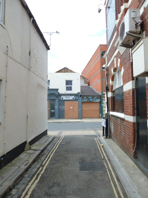 Looking from Cumberland Street into St Mary Street