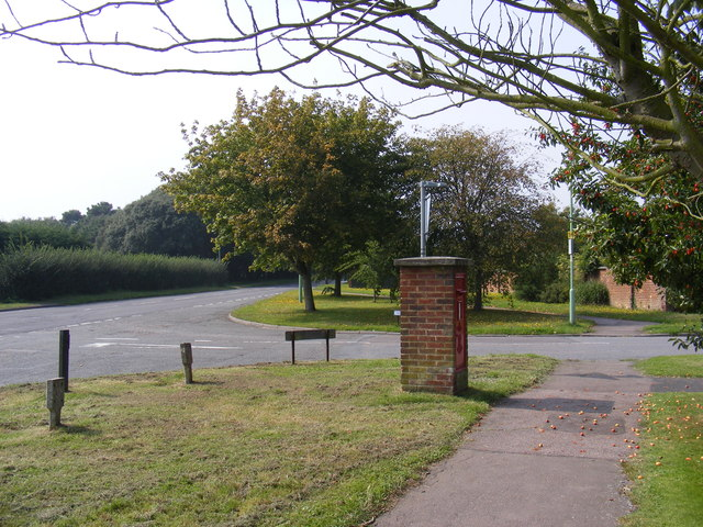 A1095 Halesworth Road & Halesworth Road Edward VII  Postbox