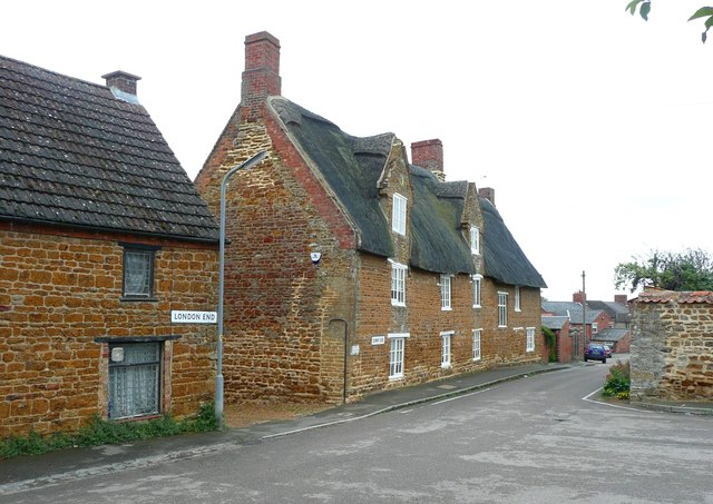 Old houses at Sunny Side, Earls Barton