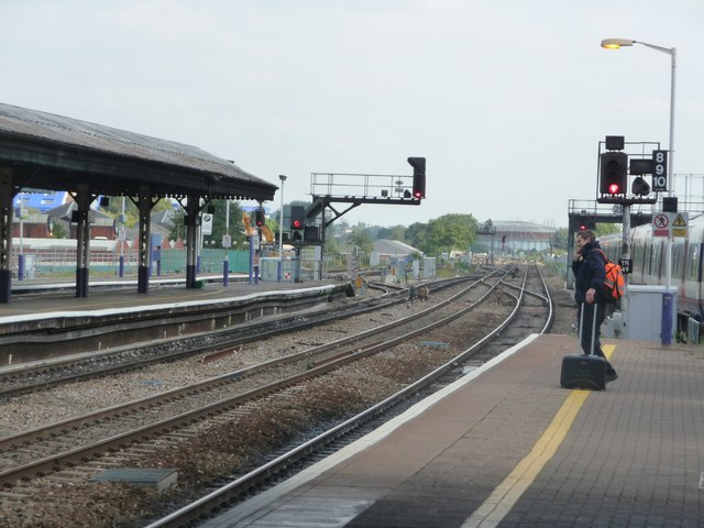 Reading : Reading Railway Station