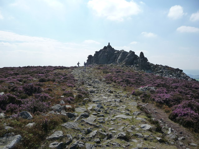 Footpath approaching Manstone Rock on Stiperstones