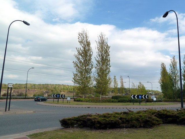 Roundabout on Europa Link