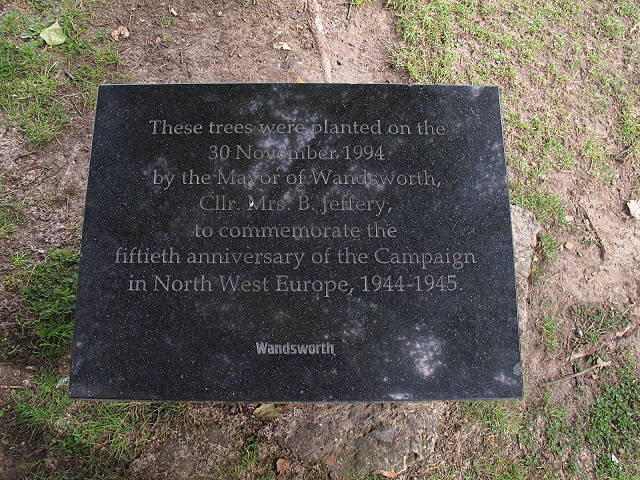 Plaque for memorial trees