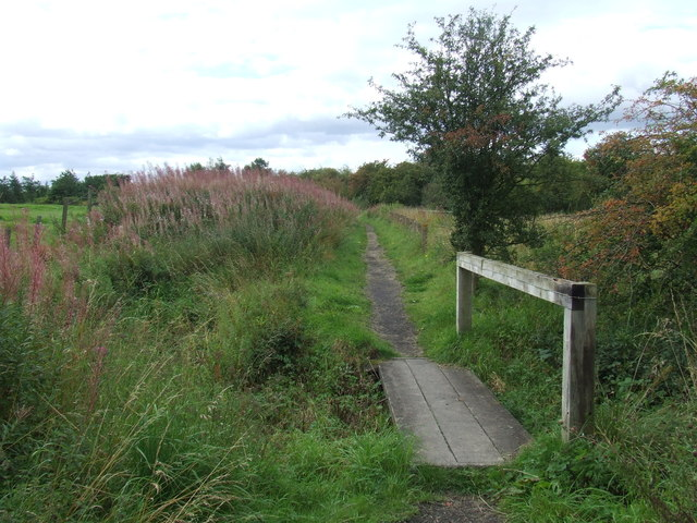 Footpath and bridge near Houghton-le-Spring