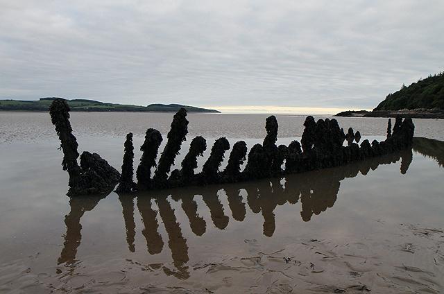 A boat wreck in Nun Mill Bay