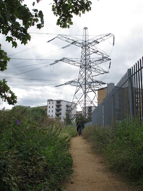 Path to the pylon