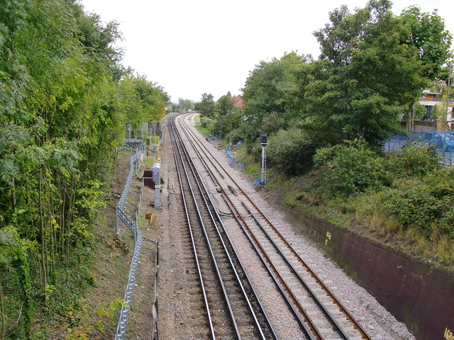 The District Line, looking south from Cromer Villas Road