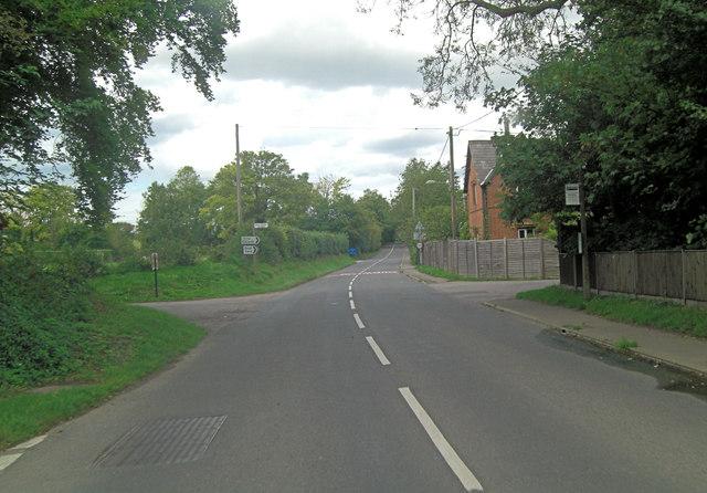 A329 access to Moulsford Church