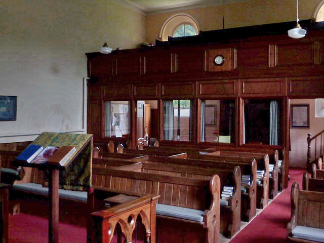 Low Row URC, Interior