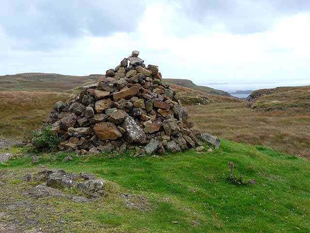 Cairn by the B8073