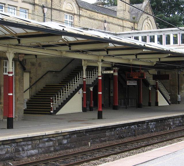 Bingley - station footbridge steps