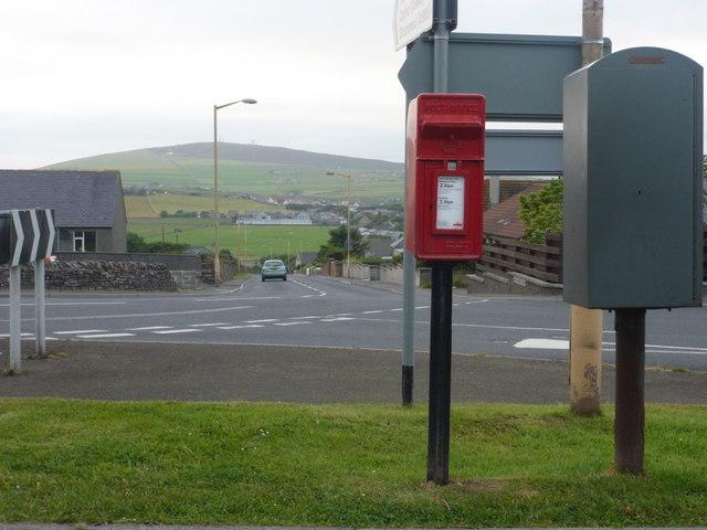 Kirkwall: postbox № KW15 29, Lynn Park