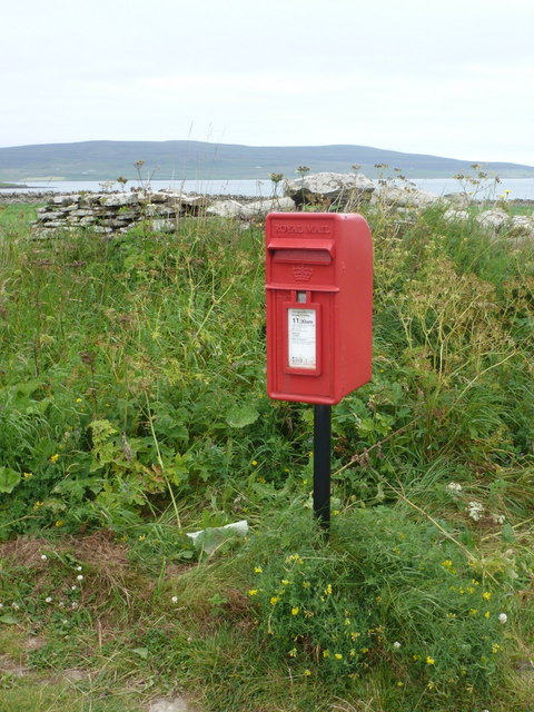 Tingwall: postbox № KW17 81