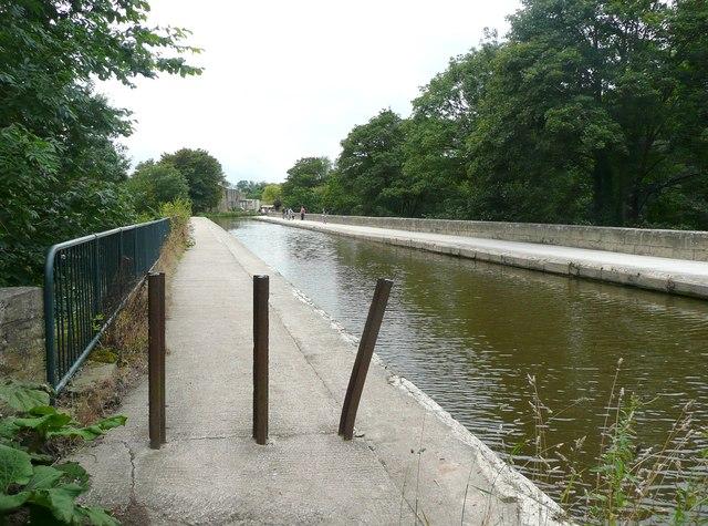 Dowley Gap Aqueduct, Bingley