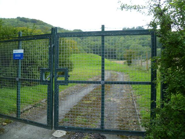 Gated entrance to reservoir near Great Barn Farm