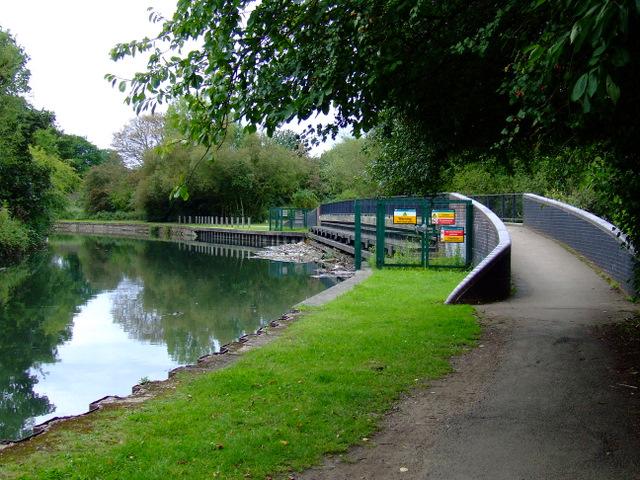 Footbridge over the River Brent