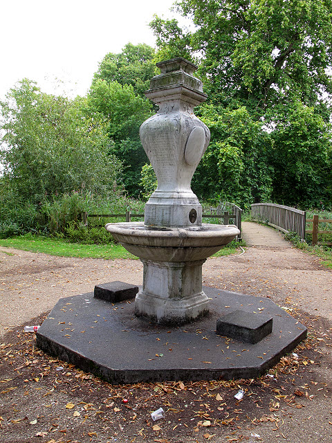 Memorial fountain in Wandle Park