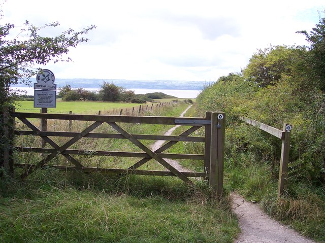 Entrance to Heswall Fields from Wirral Way