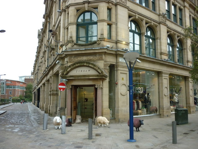 Sheep on Cathedral Street, Manchester City Centre