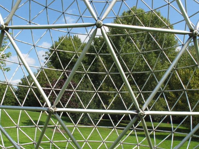 Triangle steel grid of sphere sculpture