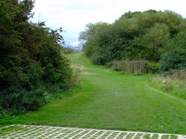 Path to Elthorpe Park