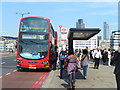 TQ3280 : The Changing Face of the London Bus by Colin Smith