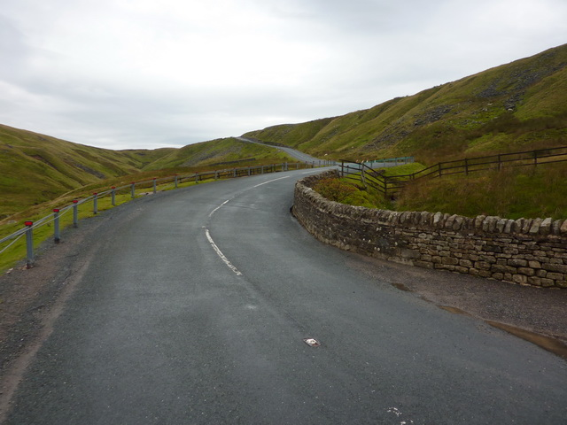 Road as it passes Butter Tubs