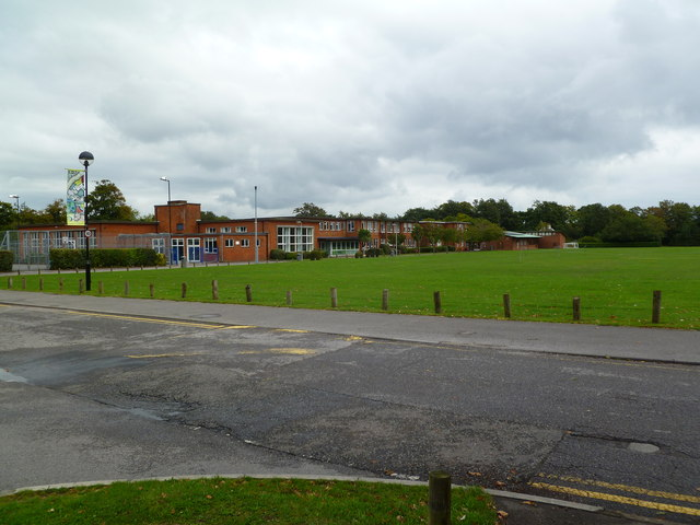 Pennington, Priestlands School