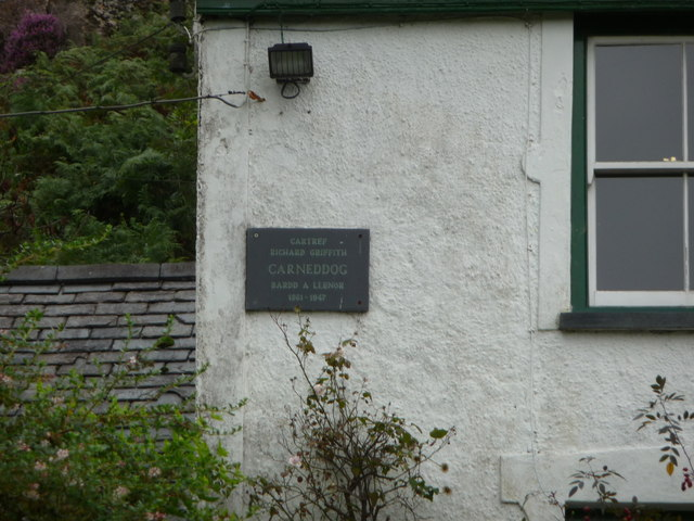 Plaque on Carneddi farmhouse