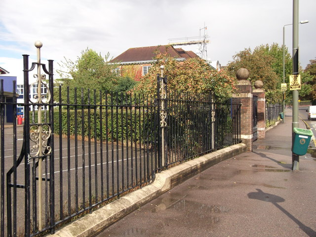 Railings of Ravensbourne School