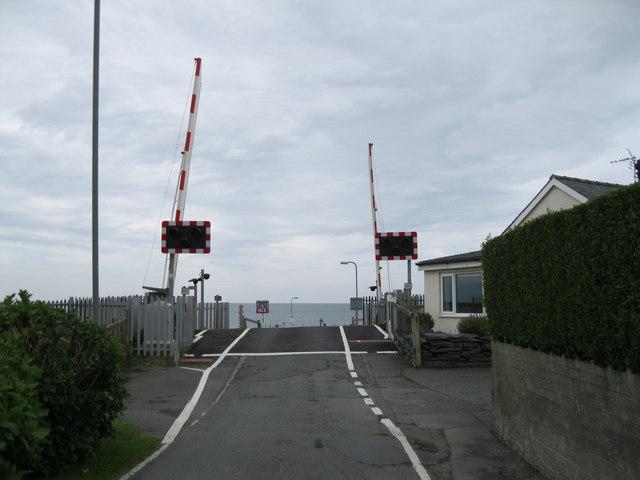 Croesfan newydd Merllyn New crossing